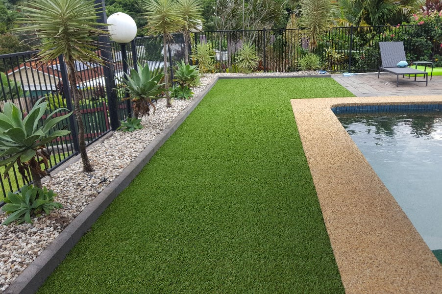 How to maintain perfect grass around your pool