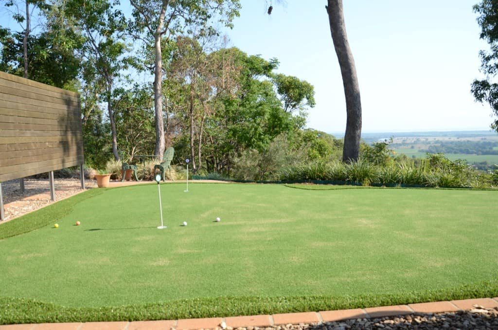 How to enjoy golf at home